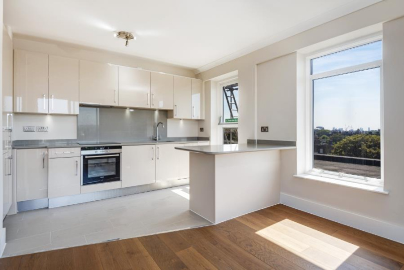 Apartment for sale in St Johns Wood - HARROW LODGE, NORTHWICK TERRACE, NW8 8HR