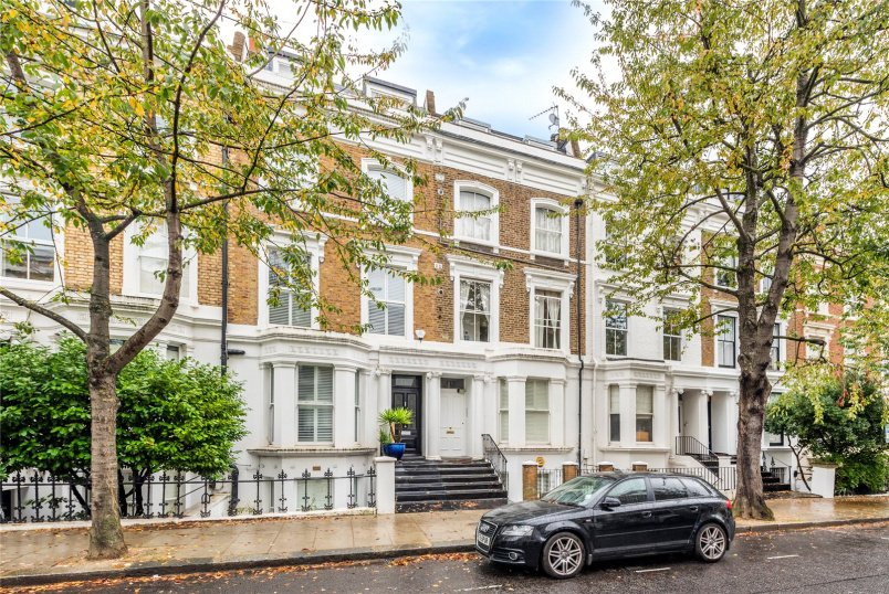 for sale in North Kensington - Chesterton Road, London, W10