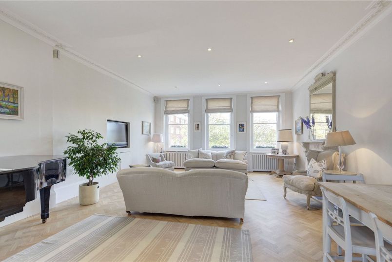 Maisonette for sale in Kensington - Phillimore Gardens, London, W8