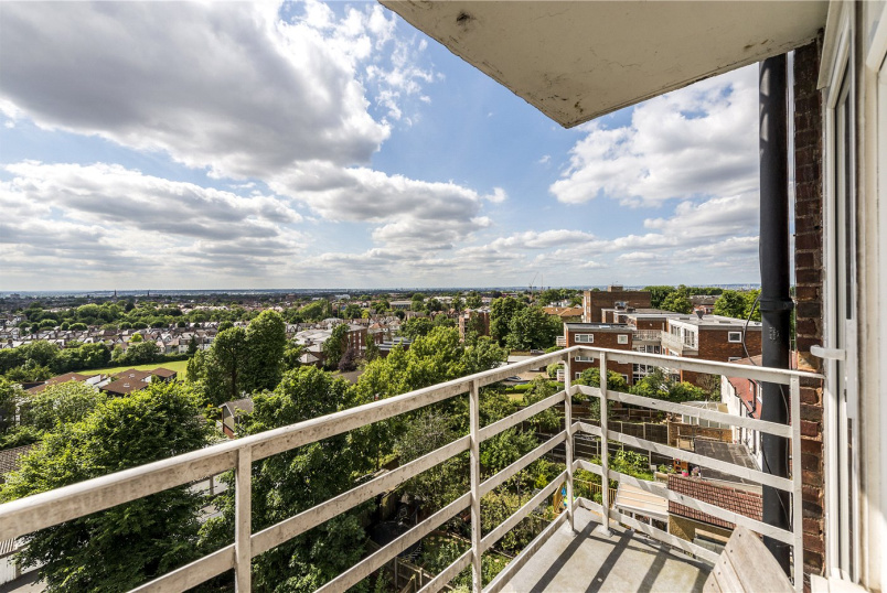 Flat/apartment for sale in Streatham - Leigham Court Road, London, SW16