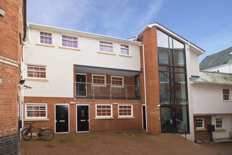 Flat/apartment to rent in Exeter - The Old Bakery, St. Annes Well Mews, Lower North Street, EX4