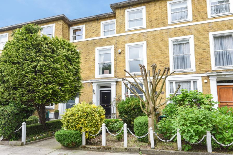 House - terraced for sale in St Johns Wood - LOUDOUN ROAD, ST JOHN'S WOOD, NW8 0ND