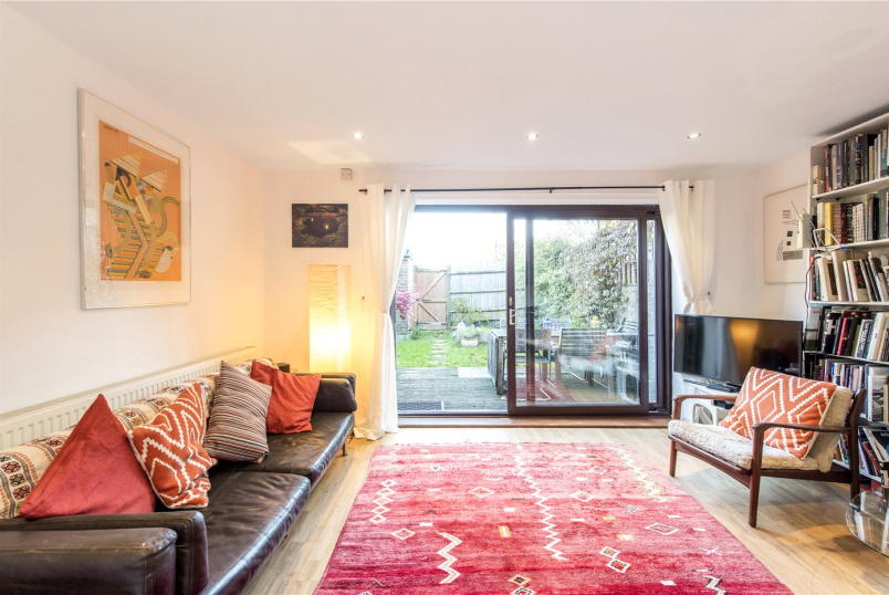 House for sale in Herne Hill - Jarrett Close, London, SW2