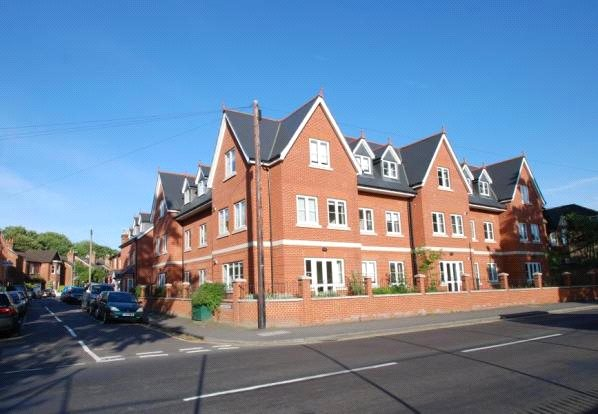 Flat/apartment to rent in Guildford - Boundary View, 41-42 Woodbridge Road, Guildford, GU1