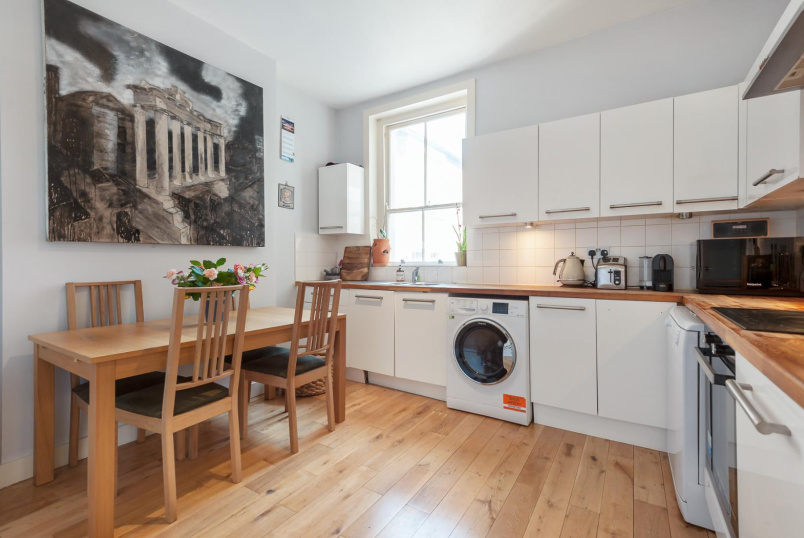 Flat for sale in Battersea - LATCHMERE ROAD, SW11