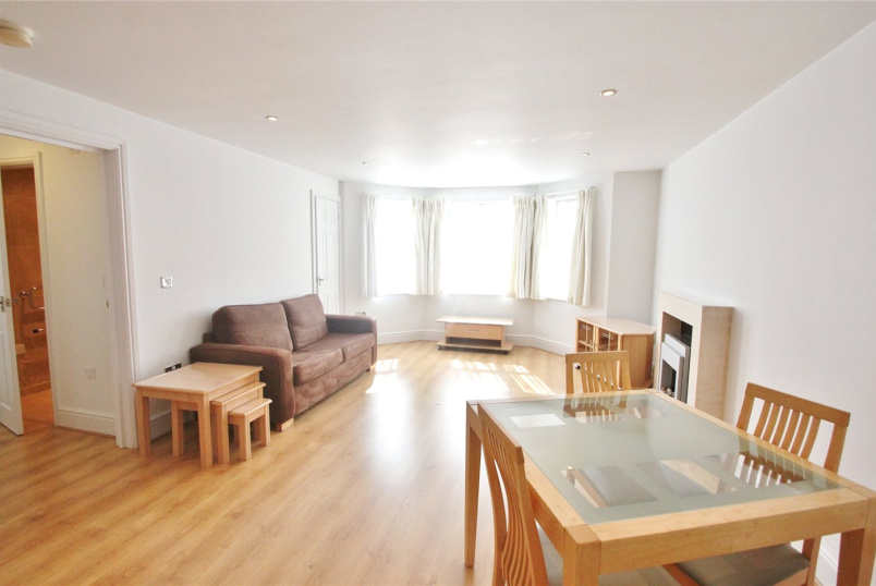 Flat/apartment to rent in Finchley - Percy Road, London, N12