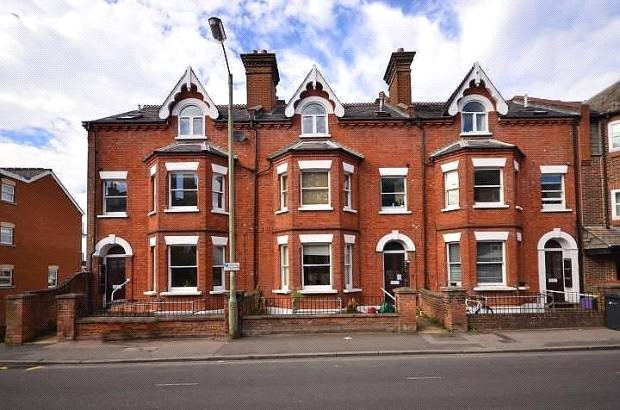 Flat/apartment to rent in Guildford - Highbrook House, 59 Sydenham Road, Guildford, GU1
