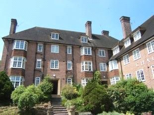 Flat/apartment to rent in Guildford - Chaucer Court, Guildford, Surrey, GU2