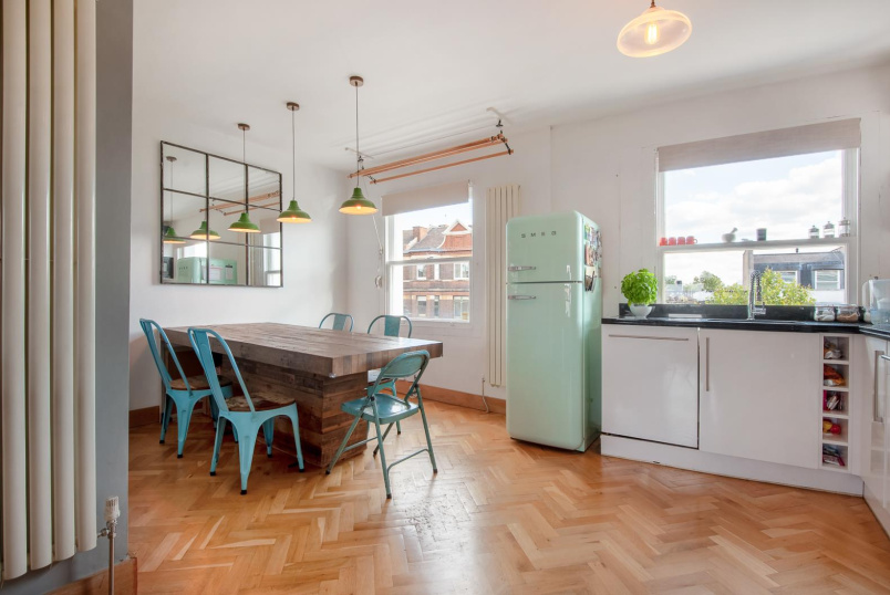 Flat for sale in Battersea - ST.JOHN'S HILL, SW11