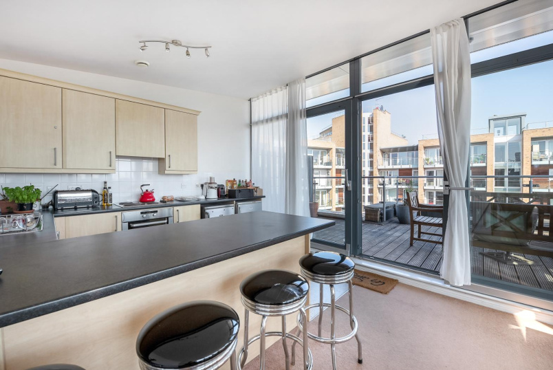 Flat to rent in Kennington - VIRIDIAN APARTMENTS, SW8
