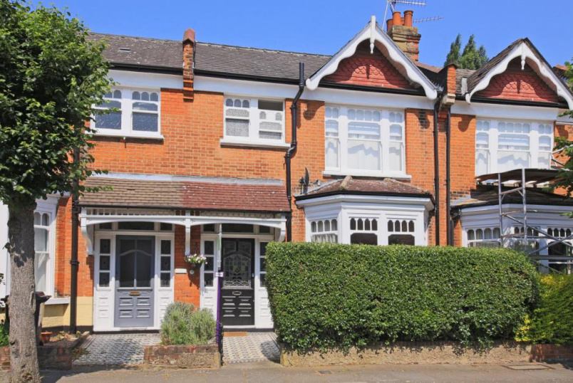 House to rent in Finchley - Claverley Grove, Finchley, N3