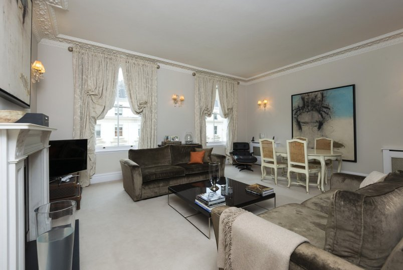 Flat to rent in St Johns Wood - WARRINGTON CRESCENT, W9 1EL