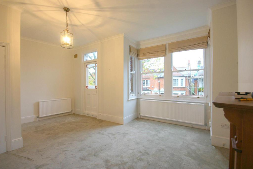 Flat/apartment to rent in Brentford & Isleworth - Sidney Road, St Margarets, TW1