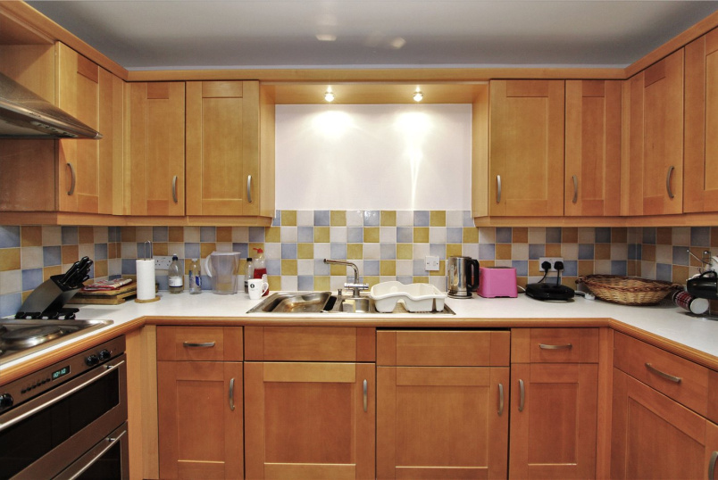Flat/apartment to rent in Ealing & Acton - Oakham House, Acton, W3