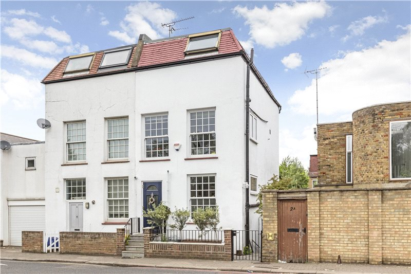 House for sale in Putney - Priests Bridge, London, SW15