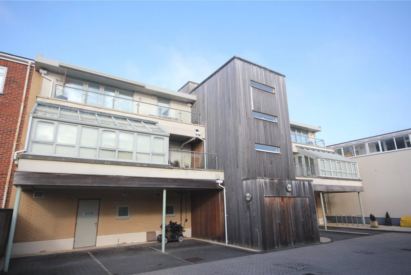 Flat/apartment for sale in Highcliffe - Lymington Road, Highcliffe, BH23
