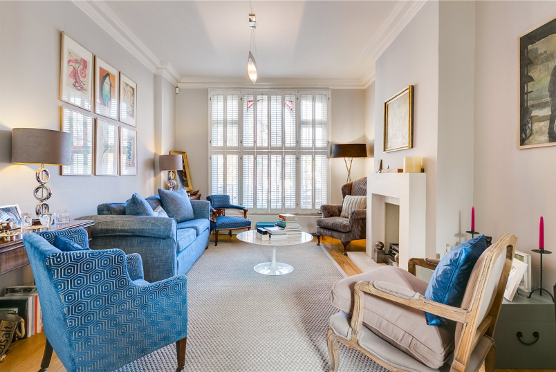 House for sale in Fulham & Parsons Green - Studdridge Street, London, SW6