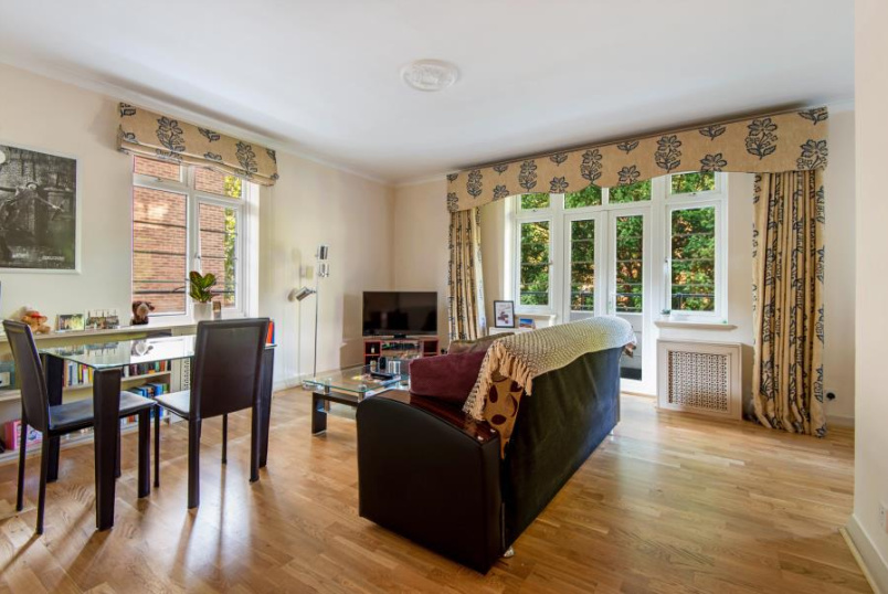 Flat for sale in St Johns Wood - GREVILLE HALL, GREVILLE PLACE, NW6 5JS