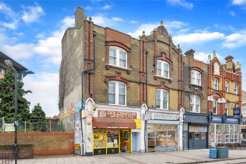 Maisonette to rent in New Cross - Lewisham Way, London, SE14