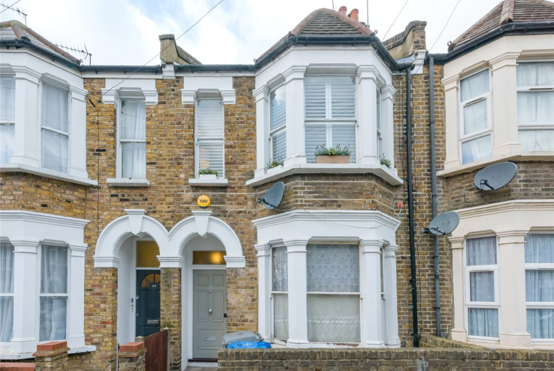 Flat/apartment for sale in Kensal Rise & Queen's Park - Felixstowe Road, London, NW10