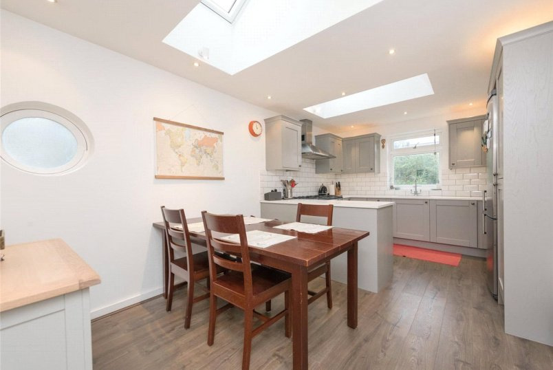 Flat/apartment for sale in Willesden Green - Mortimer Road, London, NW10