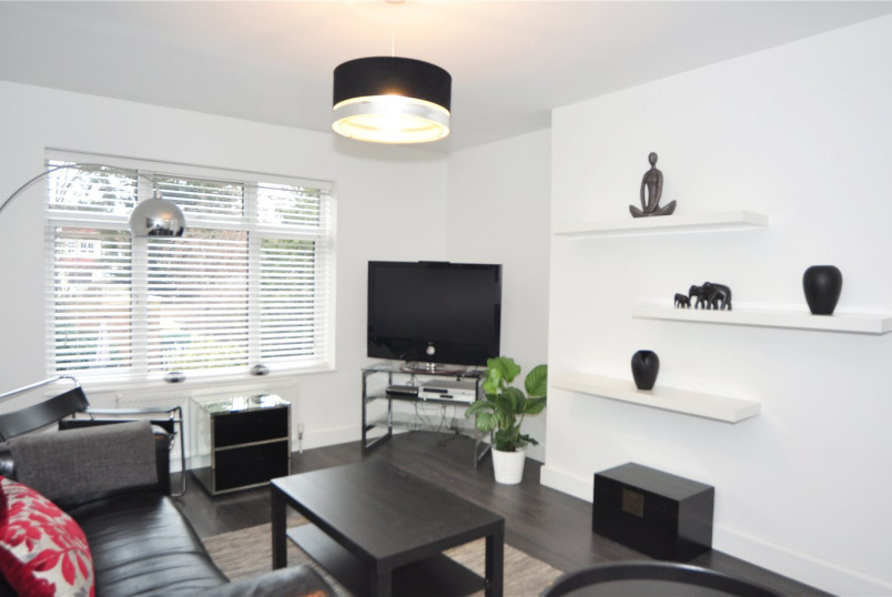 Flat/apartment to rent in Palmers Green - The Vale, London, N14