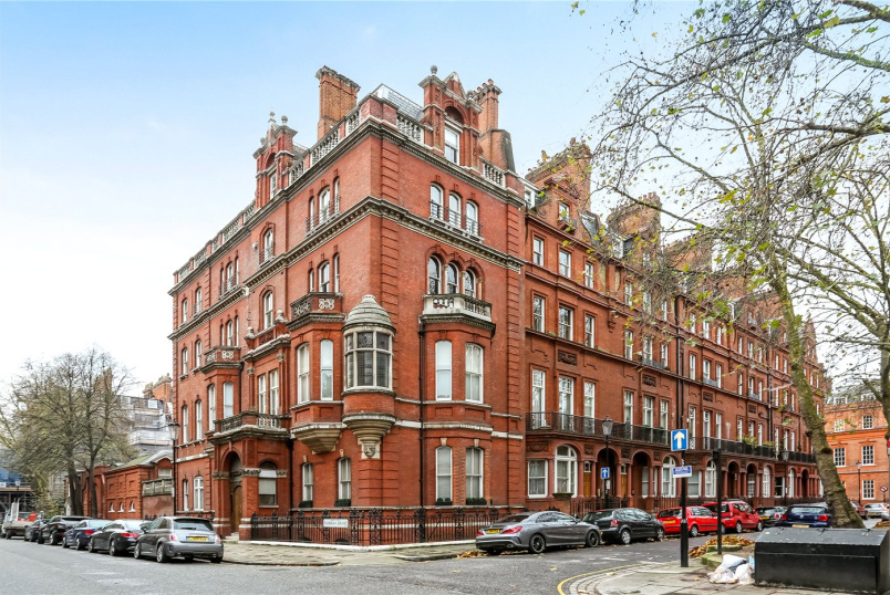 Flat/apartment to rent in Knightsbridge & Chelsea - Pont Street, London, SW1X