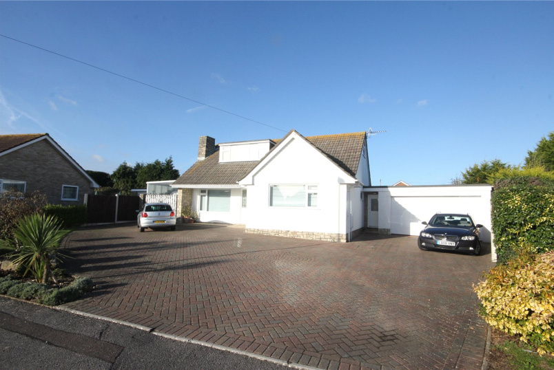 House for sale in Mudeford - Charlotte Close, Christchurch, Dorset, BH23