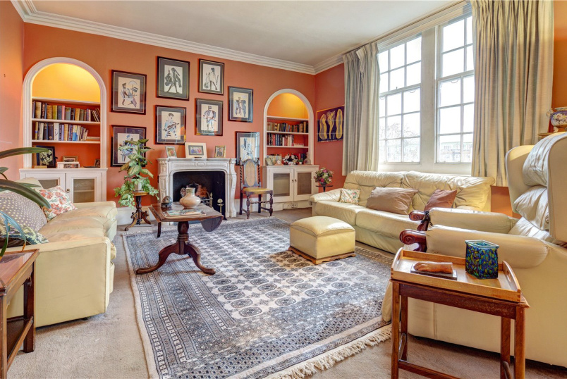Flat/apartment for sale in Kensington - Warwick Mansions, Cromwell Crescent, London, SW5