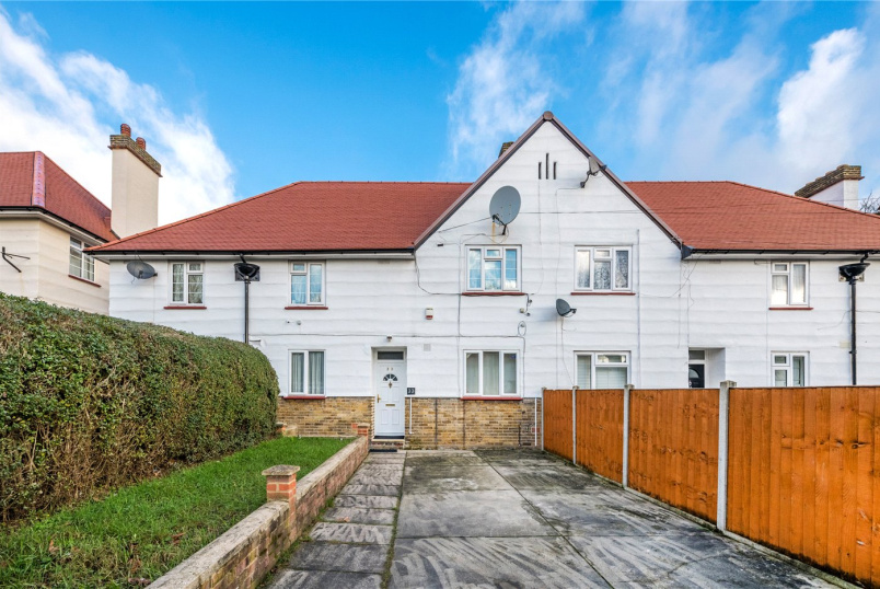Maisonette for sale in West Norwood - Furneaux Avenue, West Norwood, London, SE27