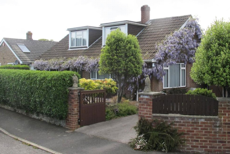 House for sale in Sway - Cruse Close, Sway, Lymington, SO41