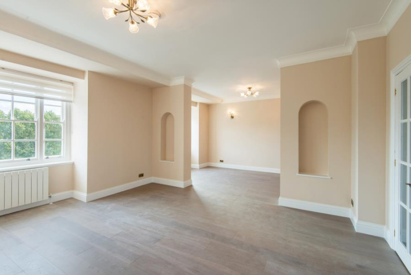 Flat to rent in St Johns Wood - EYRE COURT, FINCHLEY ROAD, NW8 9TU