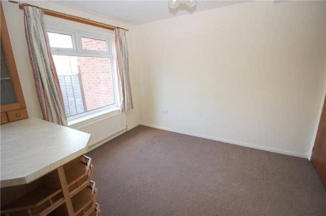 ec7952b96817 3 bedroom property for sale in Alder Close, Oakwood - Offers in the region  of £135,000