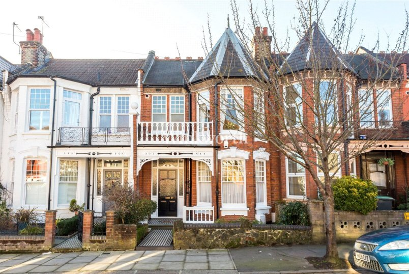 House for sale in  - Woodside Road, Wood Green, N22