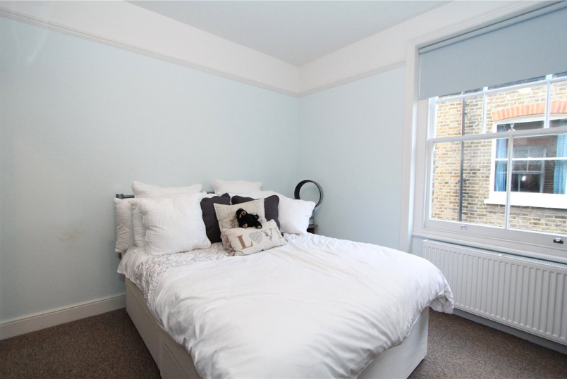to rent in Ealing & Acton - Birch Grove, Acton, W3