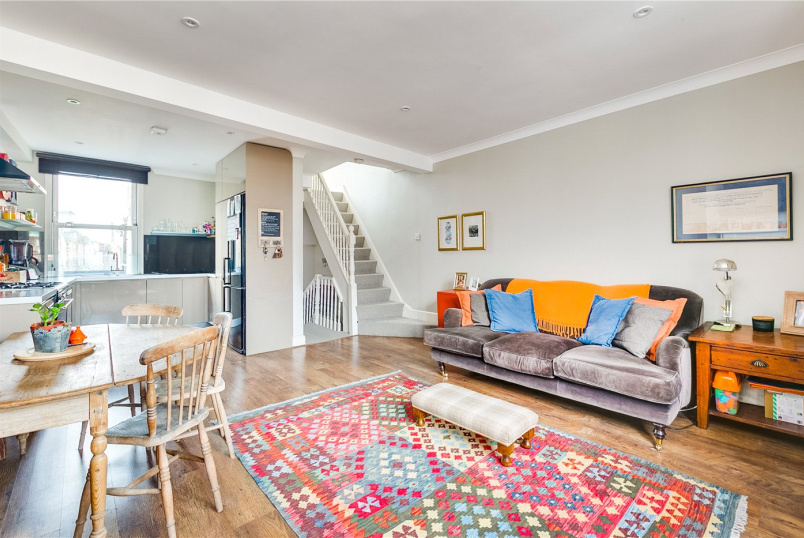 Flat/apartment for sale in Fulham & Parsons Green - Stephendale Road, Fulham, SW6