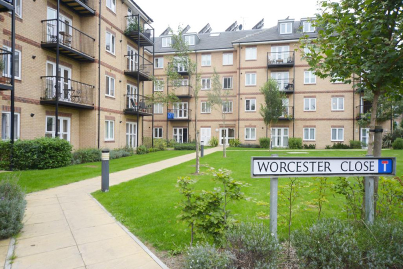 Flat/apartment to rent in Crystal Palace - Worcester Close, Anerley, SE20