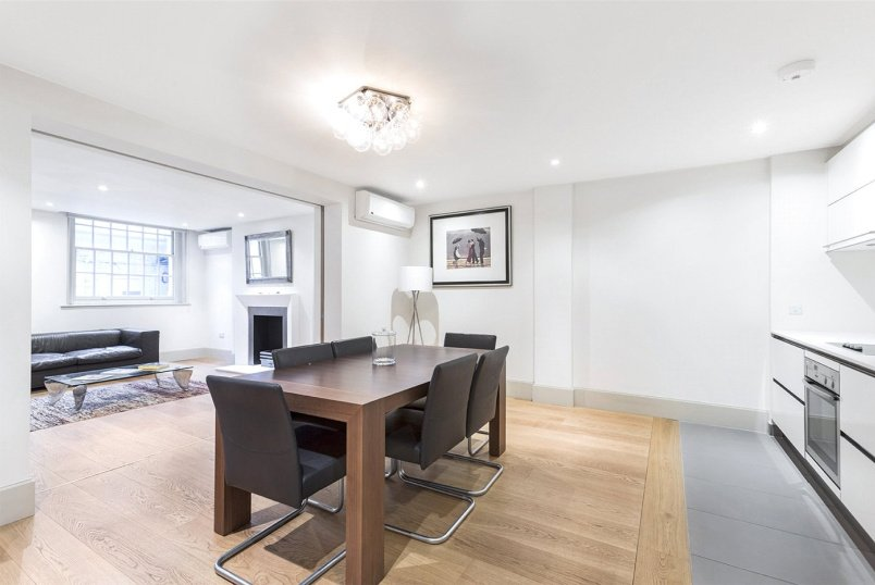 Flat/apartment to rent in West End - Little Russell Street, Bloomsbury, WC1A