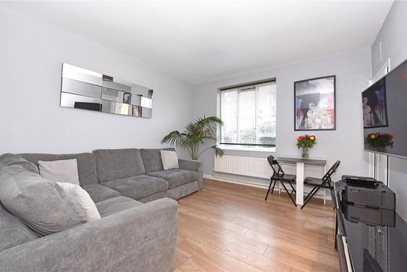 Flat/apartment for sale in Southfields - Binstead House, 5 Vermont Road, London, SW18
