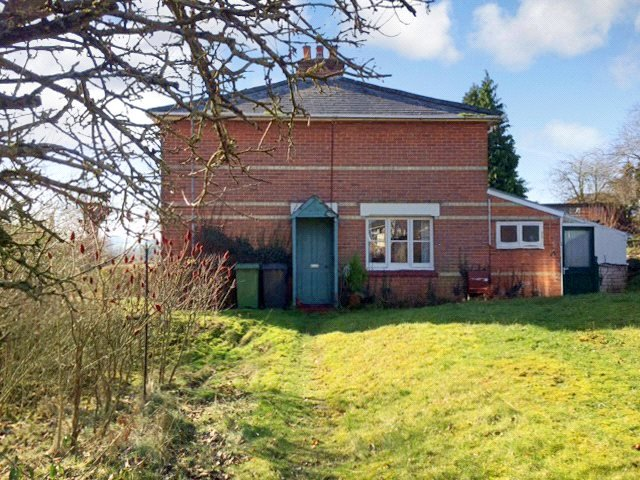 House for sale in Basingstoke - Southlea, Cliddesden, Basingstoke, RG25
