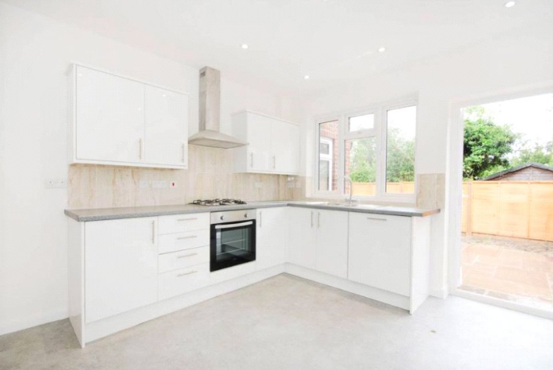 Flat/apartment to rent in Ealing & Acton - Waldeck Road, West Ealing, W13