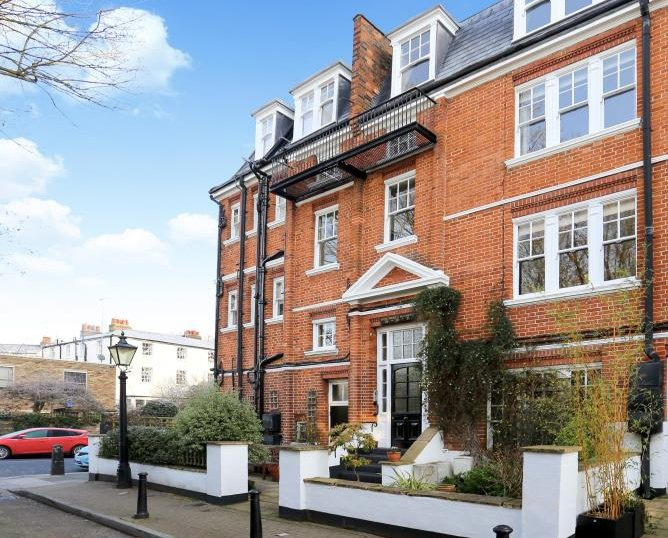 Flat for sale in St Johns Wood - WENTWORTH MANSIONS, LONDON, NW3 2RL