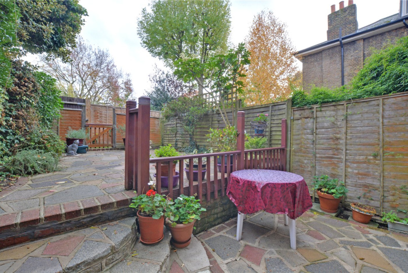 House for sale in Blackheath - Yeats Close, Eliot Park, Lewisham, SE13