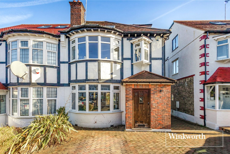 House for sale in Finchley - West Avenue, Finchley, London, N3