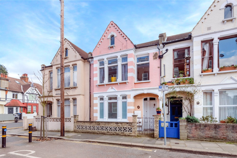 Flat/apartment for sale in Tooting - Bruce Road, Mitcham, CR4