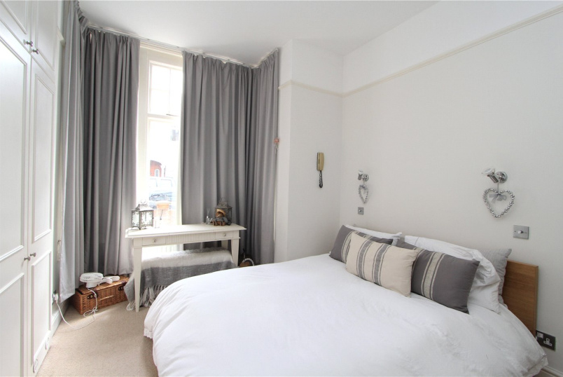Flat/apartment to rent in Ealing & Acton - Nemoure Road, Acton, W3