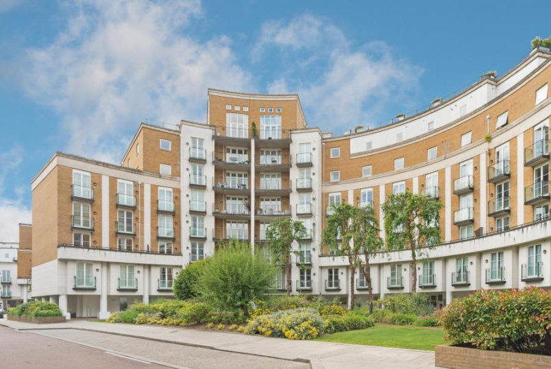 Flat to rent in St Johns Wood - ANNES COURT, PALGRAVE GARDENS, NW1 6EN