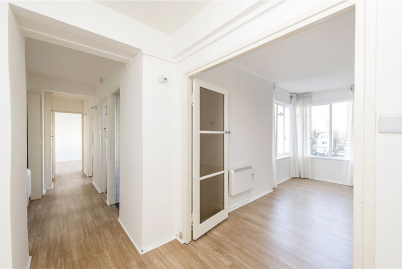 Flat/apartment to rent in Streatham - Pullman Court, Streatham, SW2
