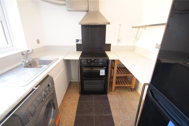 Flat/apartment to rent in New Cross - Tarplett House, John Williams Close, London, SE14