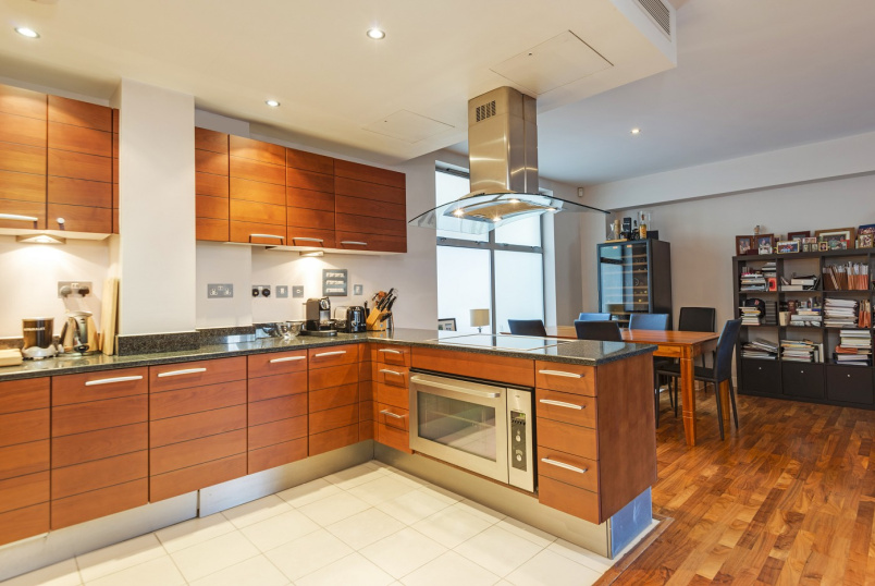 Apartment for sale in St Johns Wood - THE GALLERIES, ST JOHN'S WOOD, NW8 9AQ